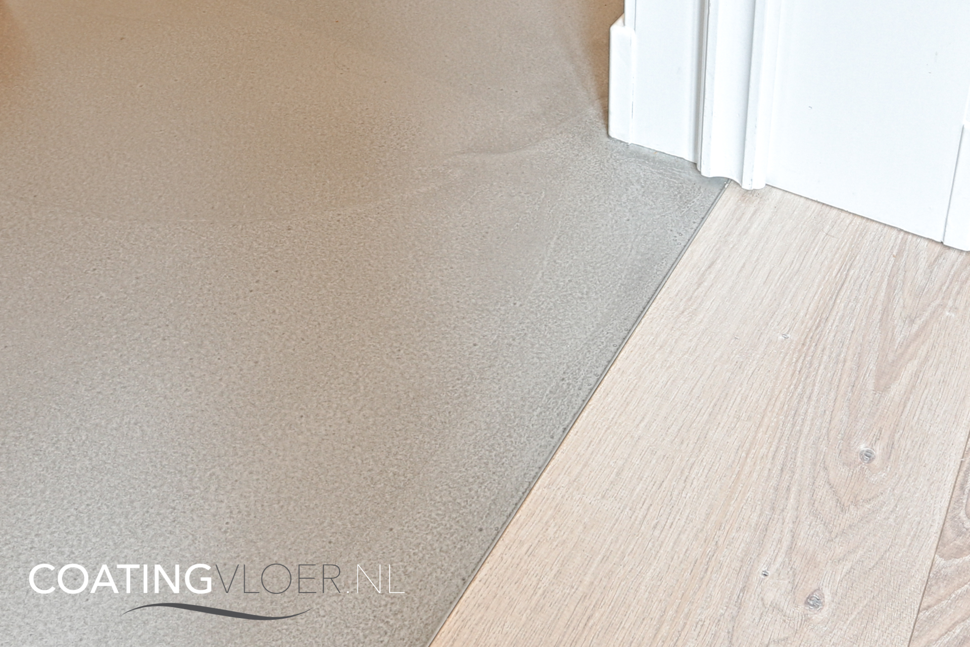 Een Gietvloer In Combinatie Met Een Houten Vloer Coatingvloer Nl