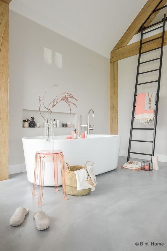 Woonbeton badkamer