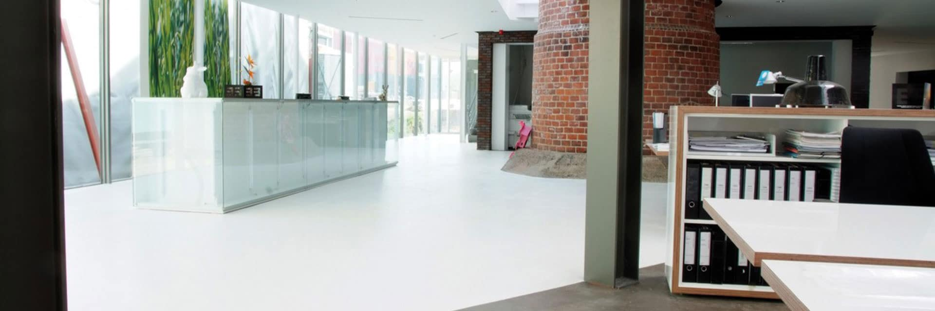 Transparante vloercoating